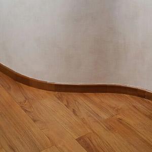 battiscopa legno modena
